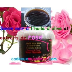 Savon noir à l'huile d'olive et extraits de rose